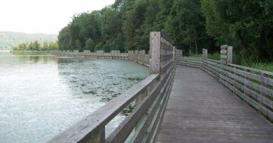 lago di comabbio passerella legno